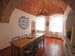 4 bedroom Villa in Asti, Piemonte, Italy : ref 2216316 - Celle Enomondo vacation rentals