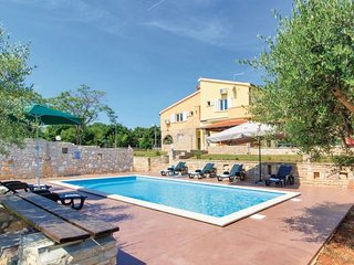 6 bedroom Villa in Duga Uvala-Pavicini, Duga Uvala, Croatia : ref 2218914 - Pavicini vacation rentals