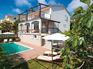 4 bedroom Villa in Premantura, Croatia : ref 2219022 - Premantura vacation rentals