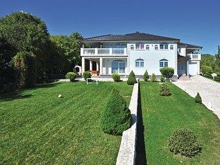 6 bedroom Villa in Makarska-Gornje Podbablje, Makarska, Croatia : ref 2219212 - Imotski vacation rentals