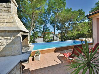 4 bedroom Villa in Hvar-Mudri Dolac, Island Of Hvar, Croatia : ref 2219957 - Cove Basina (Jelsa) vacation rentals