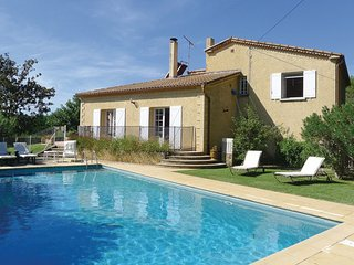 4 bedroom Villa in Pujaut, Gard, France : ref 2220573 - Sauveterre vacation rentals