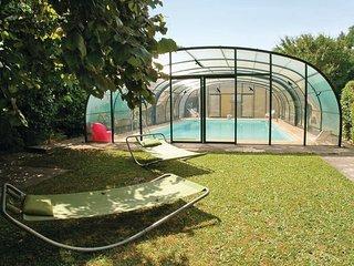 4 bedroom Villa in Perigueux, Dordogne, France : ref 2220704 - Beaufort vacation rentals