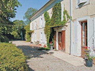 7 bedroom Villa in Cresse, Charente Maritime, France : ref 2220948 - Cresse vacation rentals