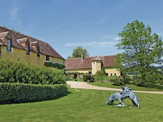 6 bedroom Villa in Domfront en Champagne, Sarthe, France : ref 2221862 - Domfront-en-Champagne vacation rentals