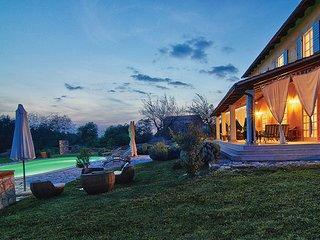 4 bedroom Villa in Buje-Poropati, Buje, Croatia : ref 2238164 - Kostanjica vacation rentals