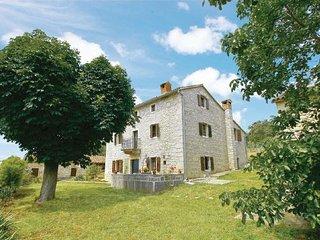 5 bedroom Villa in Visnjan-Markovac, Visnjan, Croatia : ref 2238430 - Markovac vacation rentals