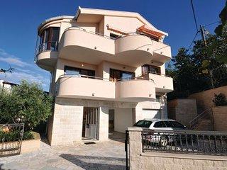 6 bedroom Villa in Trogir-Seget Vranjic, Trogir, Croatia : ref 2238754 - Seget Vranjica vacation rentals