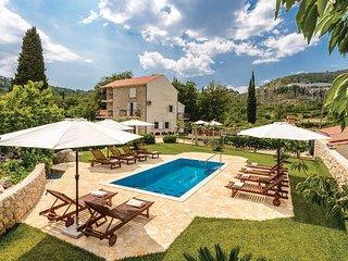 5 bedroom Villa in Dubrovnik-Brgat, Dubrovnik Riviera, Croatia : ref 2238809 - Gornji Brgat vacation rentals