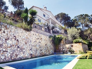 7 bedroom Villa in Argentona, Costa De Barcelona, Spain : ref 2239532 - Argentona vacation rentals