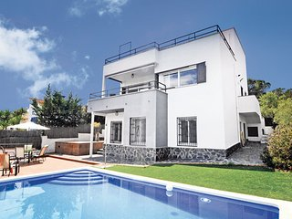 6 bedroom Villa in Sant Pol de Mar, Costa De Barcelona, Spain : ref 2239658 - Sant Pol de Mar vacation rentals
