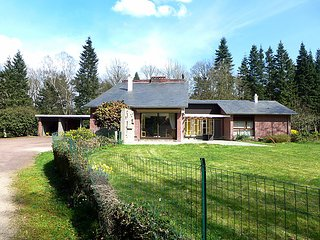 5 bedroom Villa in Montpinçon, Normandy, France : ref 2253201 - L'Oudon vacation rentals