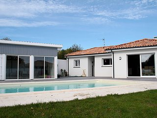 3 bedroom Villa in Orx, Les Landes, France : ref 2253253 - Orx vacation rentals