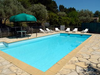 3 bedroom Villa in Le Beausset, Provence, France : ref 2255470 - Le Beausset vacation rentals