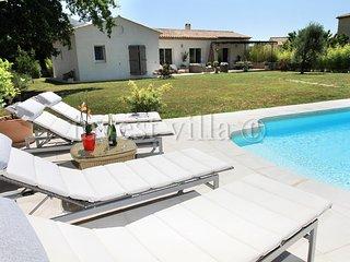 3 bedroom Villa in St Vallier De Thiey, Cote d'Azur, France : ref 2255548 - Saint-Vallier De Thiey vacation rentals