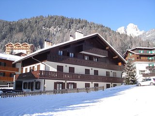 2 bedroom Villa in Campitello Di Fassa, Trentino Alto Adige, Italy : ref 2269976 - Campitello di Fassa vacation rentals