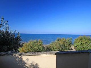 2 bedroom Villa in San Vincenzo, Tuscany, Italy : ref 2270041 - San Vincenzo vacation rentals