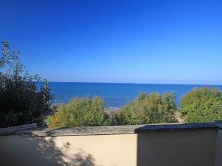 2 bedroom Villa in San Vincenzo, Tuscany, Italy : ref 2270041 - San Vincenzo vacation rentals