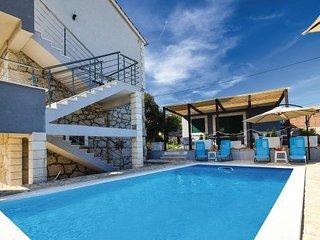 4 bedroom Villa in Rogoznica-Kanica, Rogoznica, Croatia : ref 2278175 - Cove Kanica (Rogoznica) vacation rentals