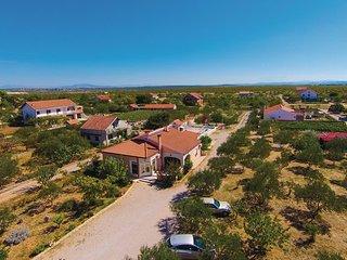 5 bedroom Villa in Sibenik-Cista Velika, Sibenik, Croatia : ref 2278429 - Velika Cista vacation rentals