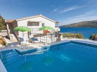 3 bedroom Villa in Trogir-Poljica, Trogir, Croatia : ref 2278473 - Vrsine vacation rentals