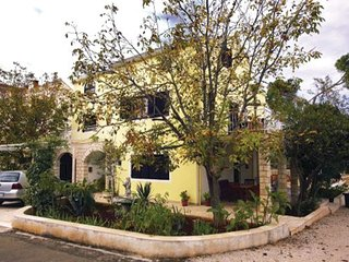 7 bedroom Villa in Korcula, Island Of Korcula, Croatia : ref 2278635 - Zrnovo vacation rentals