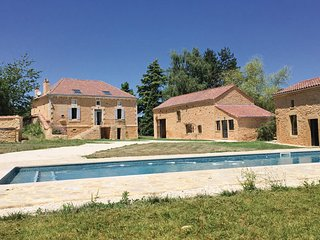 5 bedroom Villa in Sainte Foy de Belves, Dordogne, France : ref 2279137 - Sainte-Foy-de-Belves vacation rentals