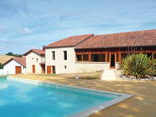 6 bedroom Villa in Monpezat D Agenais, Lot Et Garonne, France : ref 2279286 - Montpezat d'Agenais vacation rentals