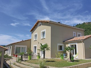 4 bedroom Villa in Roynac, Drome Provencale, France : ref 2279301 - Roynac vacation rentals