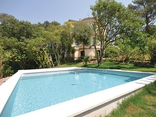 5 bedroom Villa in Saint Raphael, Var, France : ref 2279438 - Valescure vacation rentals