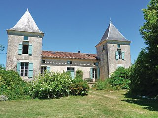 7 bedroom Villa in Bourlens, Lot Et Garonne, France : ref 2279599 - Tournon-d'Agenais vacation rentals