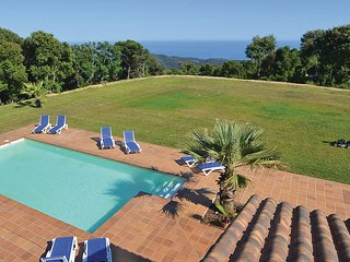 6 bedroom Villa in Sant Cebria de Vallalta, Costa De Barcelona, Spain : ref 2280628 - Sant Cebria de Vallalta vacation rentals