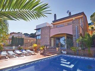 4 bedroom Villa in Calella de Mar, Costa De Barcelona, Spain : ref 2281099 - Calella vacation rentals