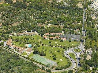 2 bedroom Apartment in Grimaud, Cote d Azur, France : ref 2284381 - Port Grimaud vacation rentals