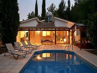 2 bedroom Villa in Miliou, Akamas pensinsula, Cyprus : ref 2284715 - Paphos vacation rentals