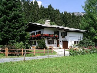 Sunny 4 bedroom Villa in Saint Johann in Tirol - Saint Johann in Tirol vacation rentals