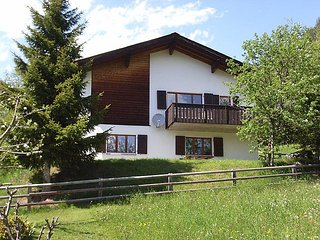 4 bedroom Villa in Davos   Schmitten, Praettigau Landwassertal, Switzerland : ref 2298344 - Schmitten vacation rentals