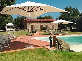 3 bedroom Villa in Pari, Tuscany Coast, Italy : ref 2299018 - Casale di Pari vacation rentals