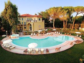 2 bedroom Apartment in Vada, Tuscany Coast, Italy : ref 2300059 - Vada vacation rentals