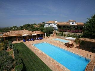 4 bedroom Villa in Malhao, Algarve, Portugal : ref 2307463 - Cerca Velha vacation rentals