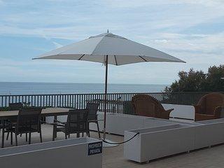 Appartamento n 1fronte spiaggia e terrazza a mare - Lido di Venezia vacation rentals