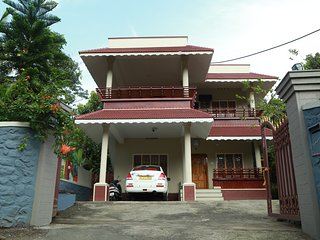 Bright 4 bedroom Vacation Rental in Kumily - Kumily vacation rentals