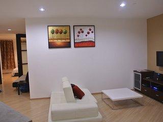 118 Residence (2 Bedroom Suite - Low Floor) - Georgetown vacation rentals