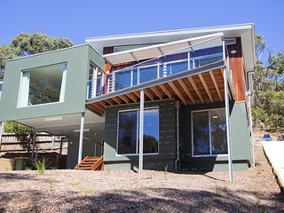 Spacious House with A/C and DVD Player - Lorne vacation rentals