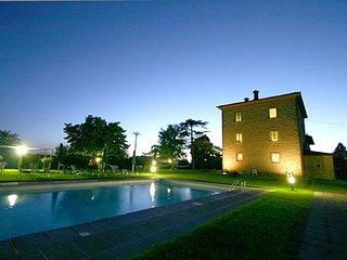 9 bedroom Villa with A/C in San Pietro a Cegliolo - San Pietro a Cegliolo vacation rentals