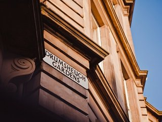 Drumsheugh Apartment @ Drumsheugh Gardens - Edinburgh vacation rentals
