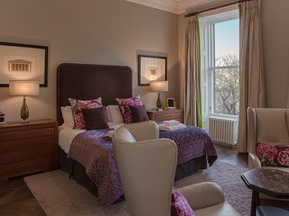 Castle View Apartment at Castle Terrace - The Edinburgh Address - Edinburgh vacation rentals