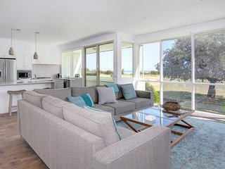 Bayview Apartment - Rosebud vacation rentals