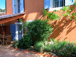 Gite de la Lavande, Pet-Friendly 3 Bedroom Cottage - Brignoles vacation rentals