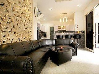 Modern & charming 3br villa in Kuta - Kuta vacation rentals
